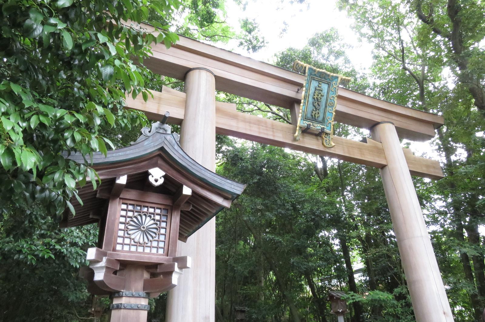 大神神社の二の鳥居。
