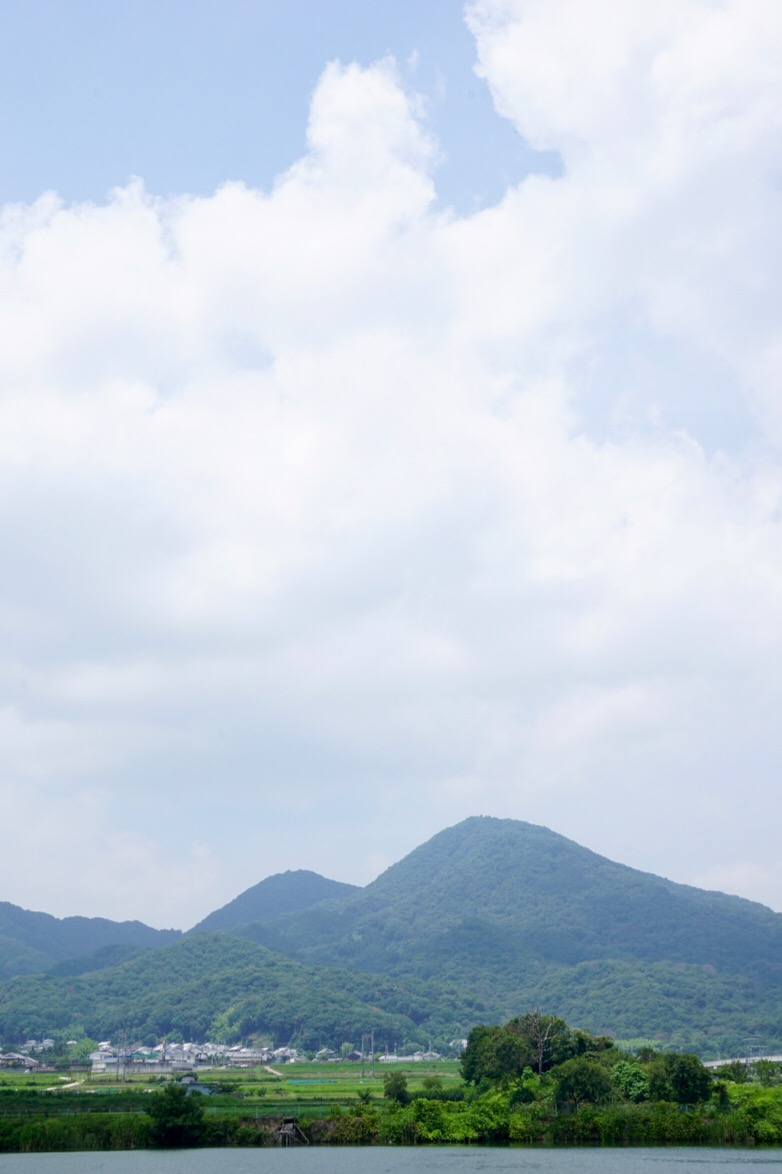 千股池からの二上山は絶景です。