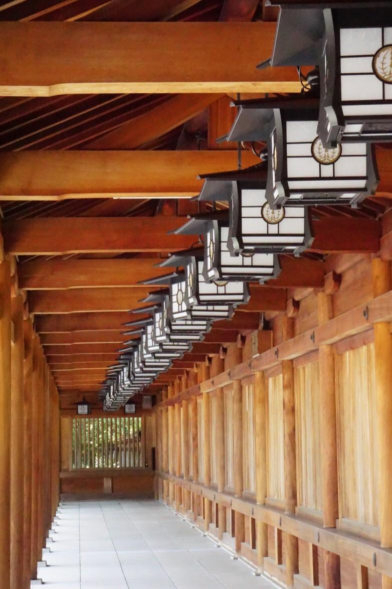 回廊。木造の清々しい美しさです。