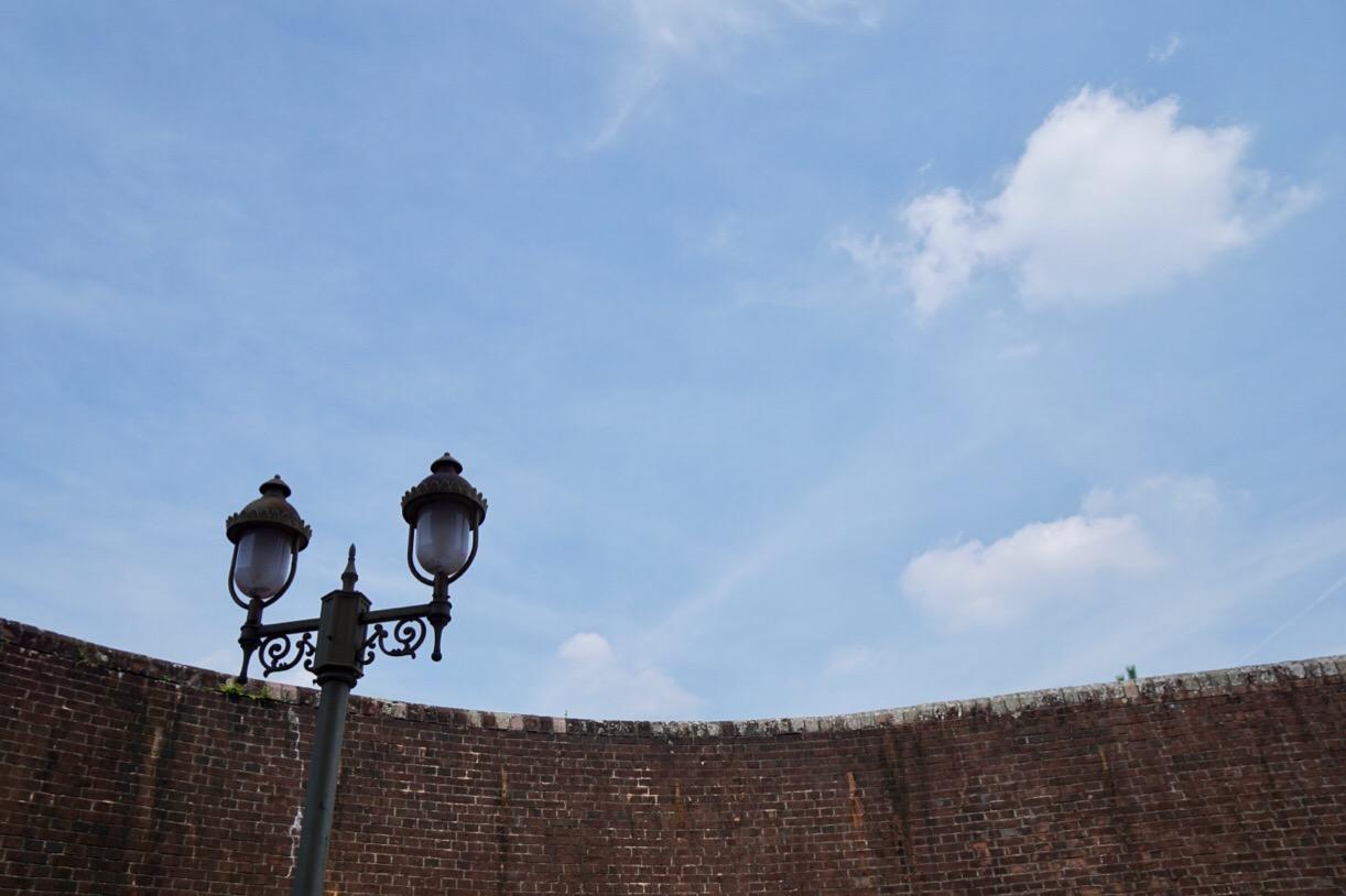 煉瓦塀もとても雰囲気があります。