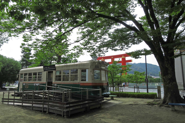 随分とゆっくり休憩してしまいましたが、出発!!ちなみに電車は、案内所になっています。
