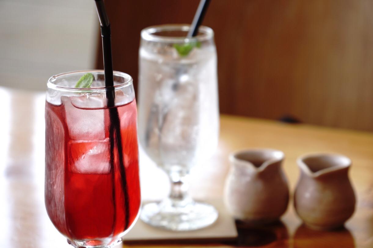 紫蘇ジュースとすだちスカッシュ。爽やかでとても美味しかったです。
