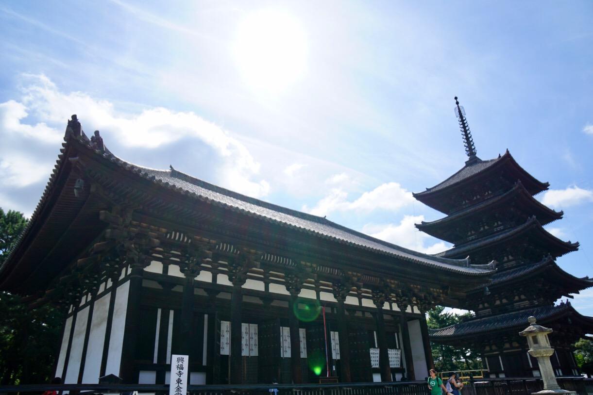 興福寺 秋の空がとても綺麗でした。