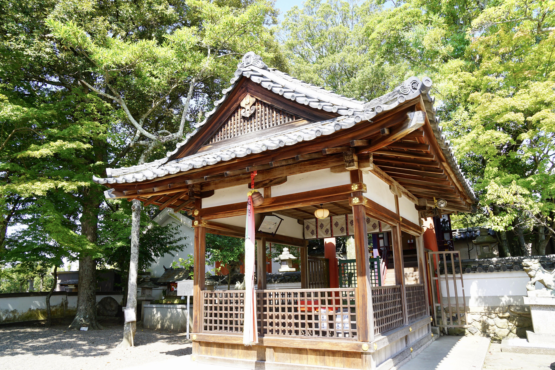 小さい神社ですがとても綺麗です。