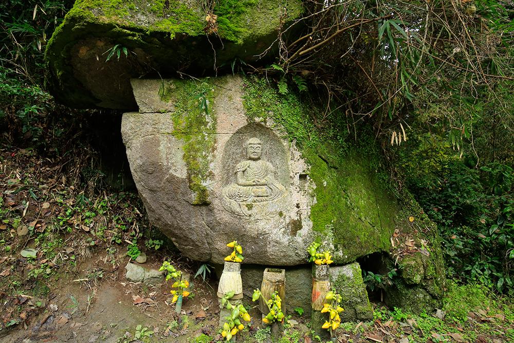 阿弥陀如来坐像・地蔵菩薩立像。
