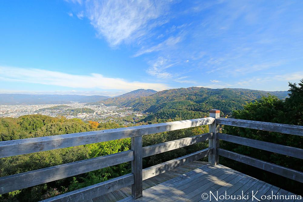 大舞台からの眺め。南禅寺や金戒光明寺などの建造物を観ることが出来ます。