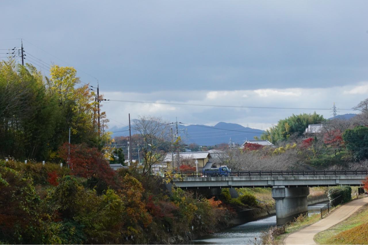 南側には金剛山が見えます。この日はとても寒く、もしかしたら金剛山は雪かも。