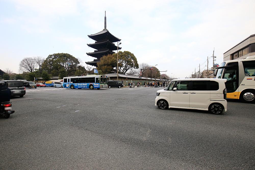 弘法市(骨董市)をゆっくり楽しみたい方は、平日の時に訪れてみてください!