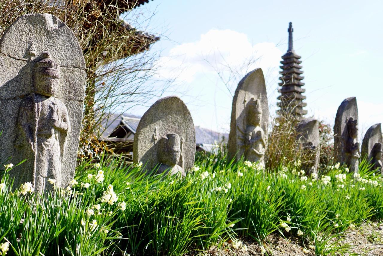 西国三十三所観音石仏 江戸時代に病気平癒のお礼に奉納されたものです。