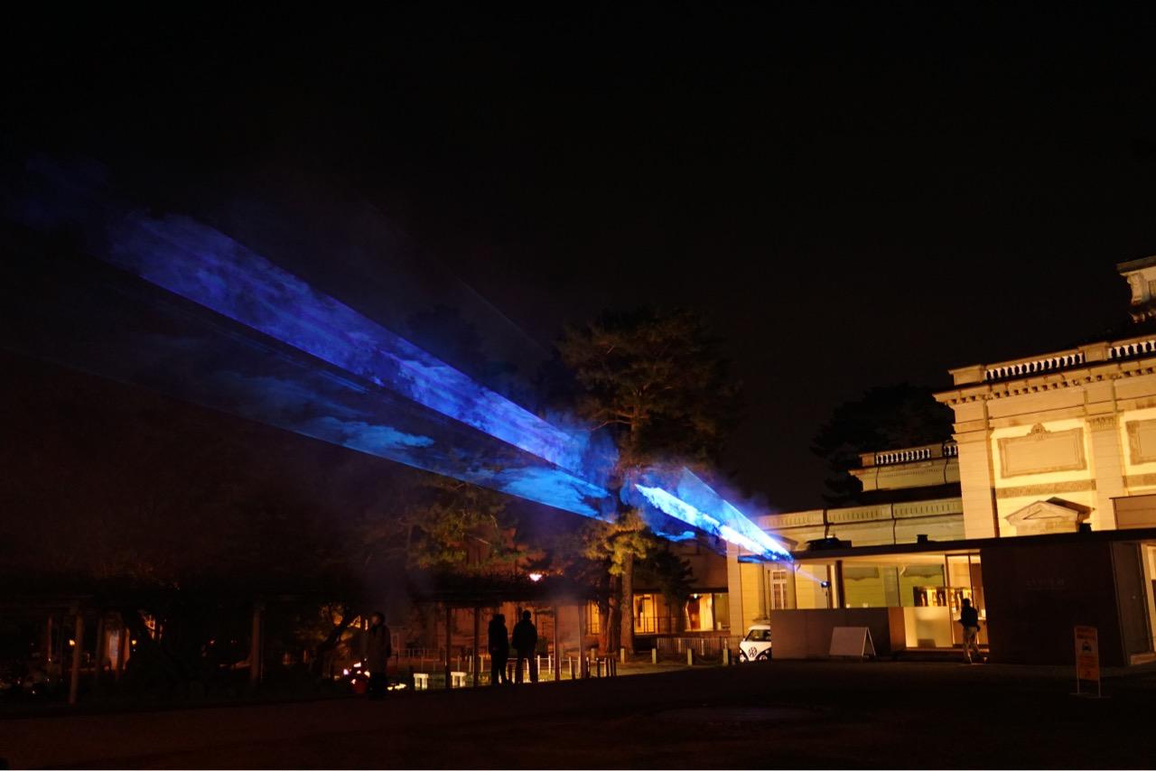 奈良国立博物館でも光の演出が。