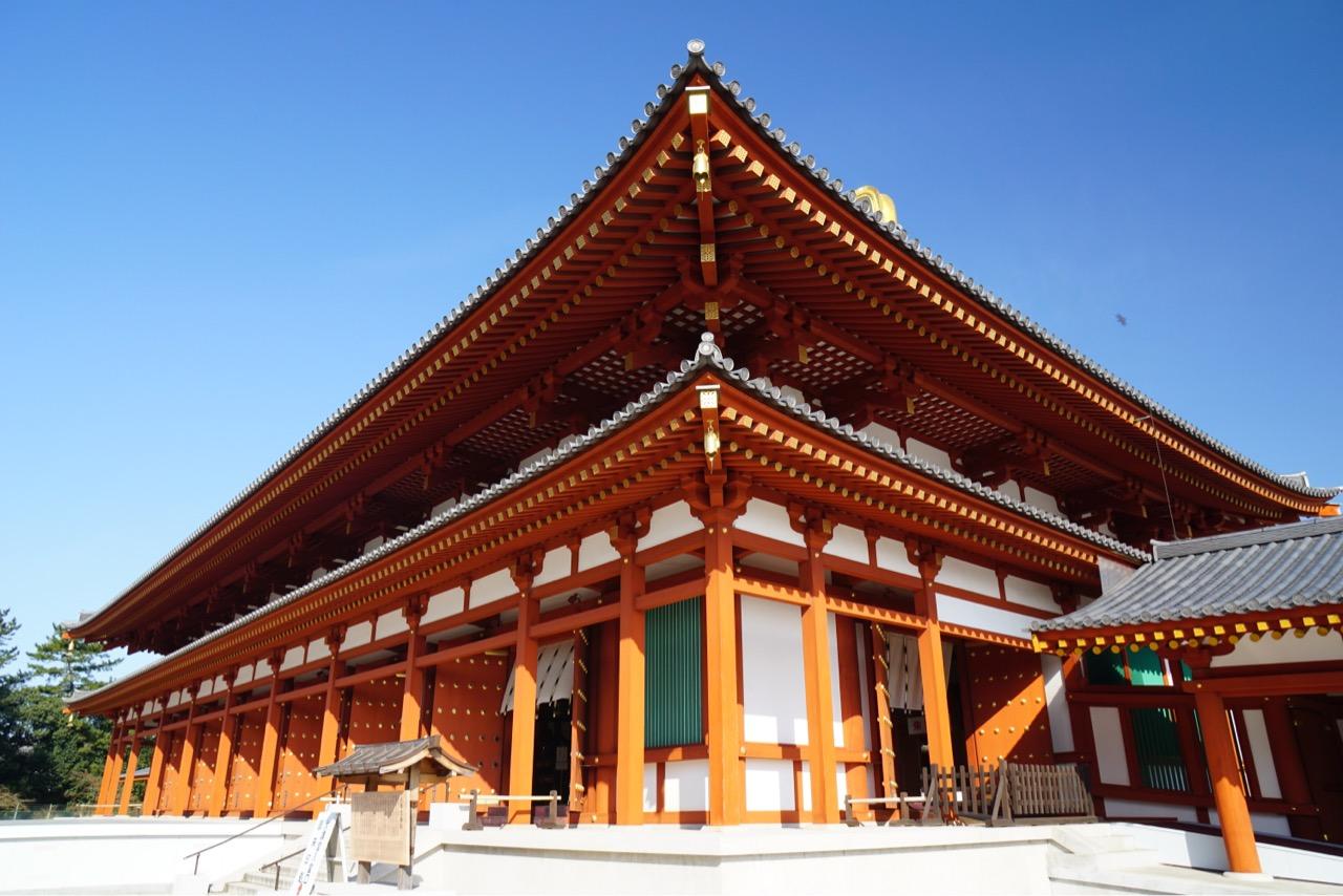 薬師寺の梅を見に行ってきました。
