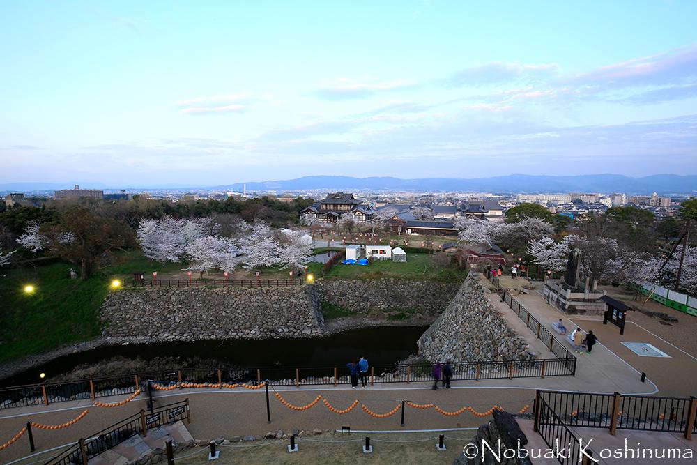 眺望も素晴らしいですよ!大和郡山の町並み、若草山や薬師寺が望めます。