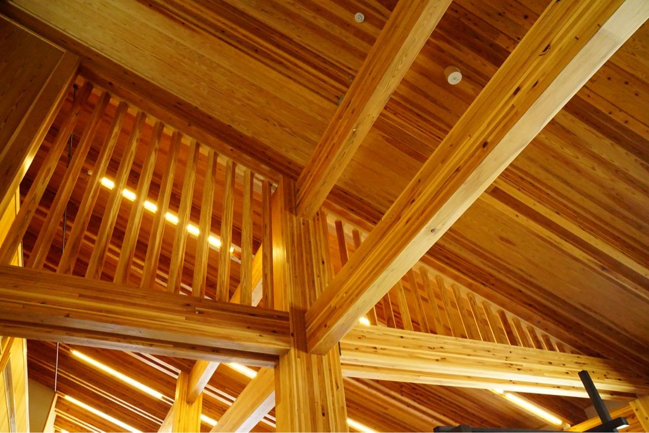 オシャレな建物でした。お土産も奈良のものが多くていい感じでした。