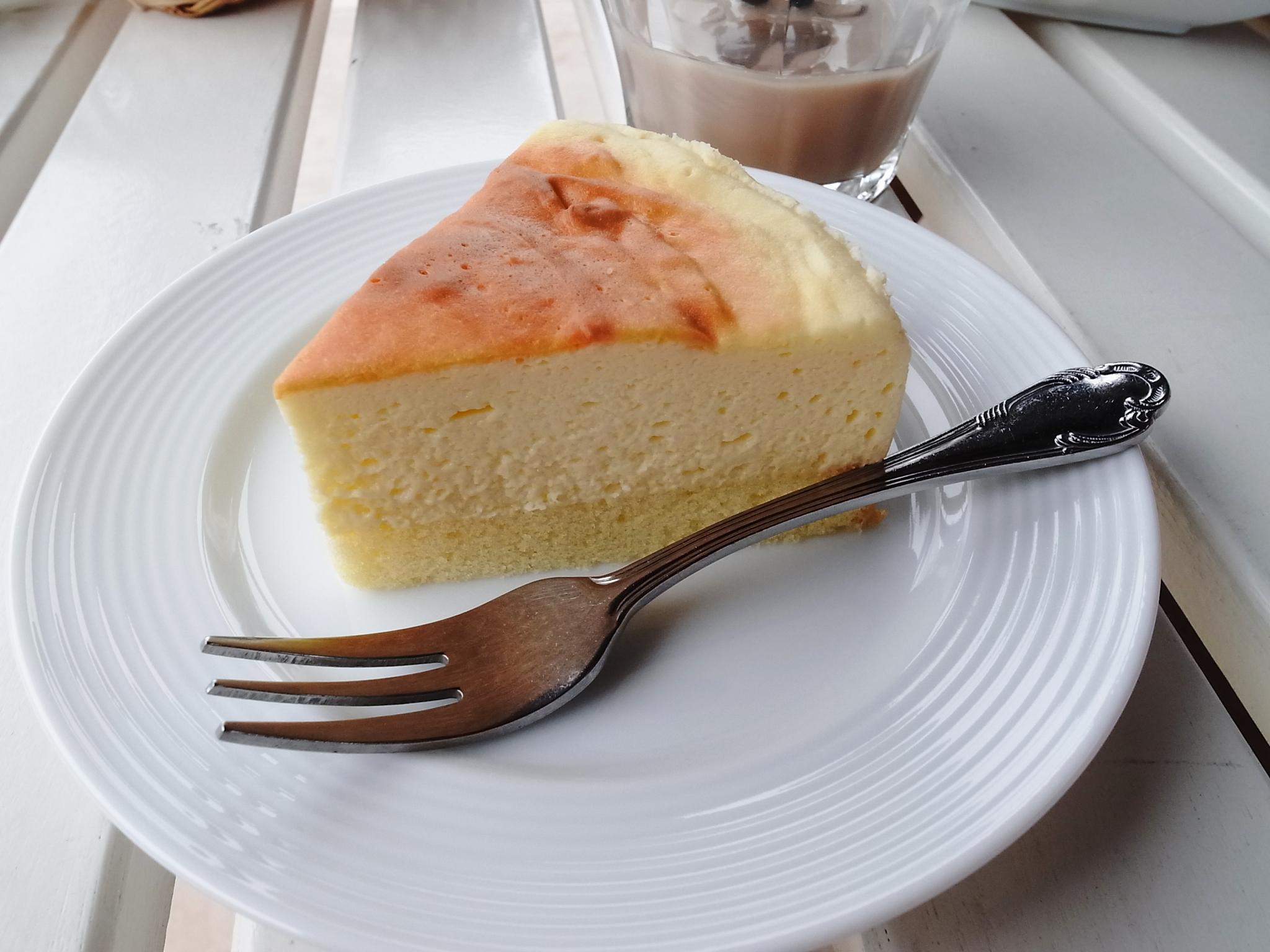 食後に高原チーズケーキ(330円)。
