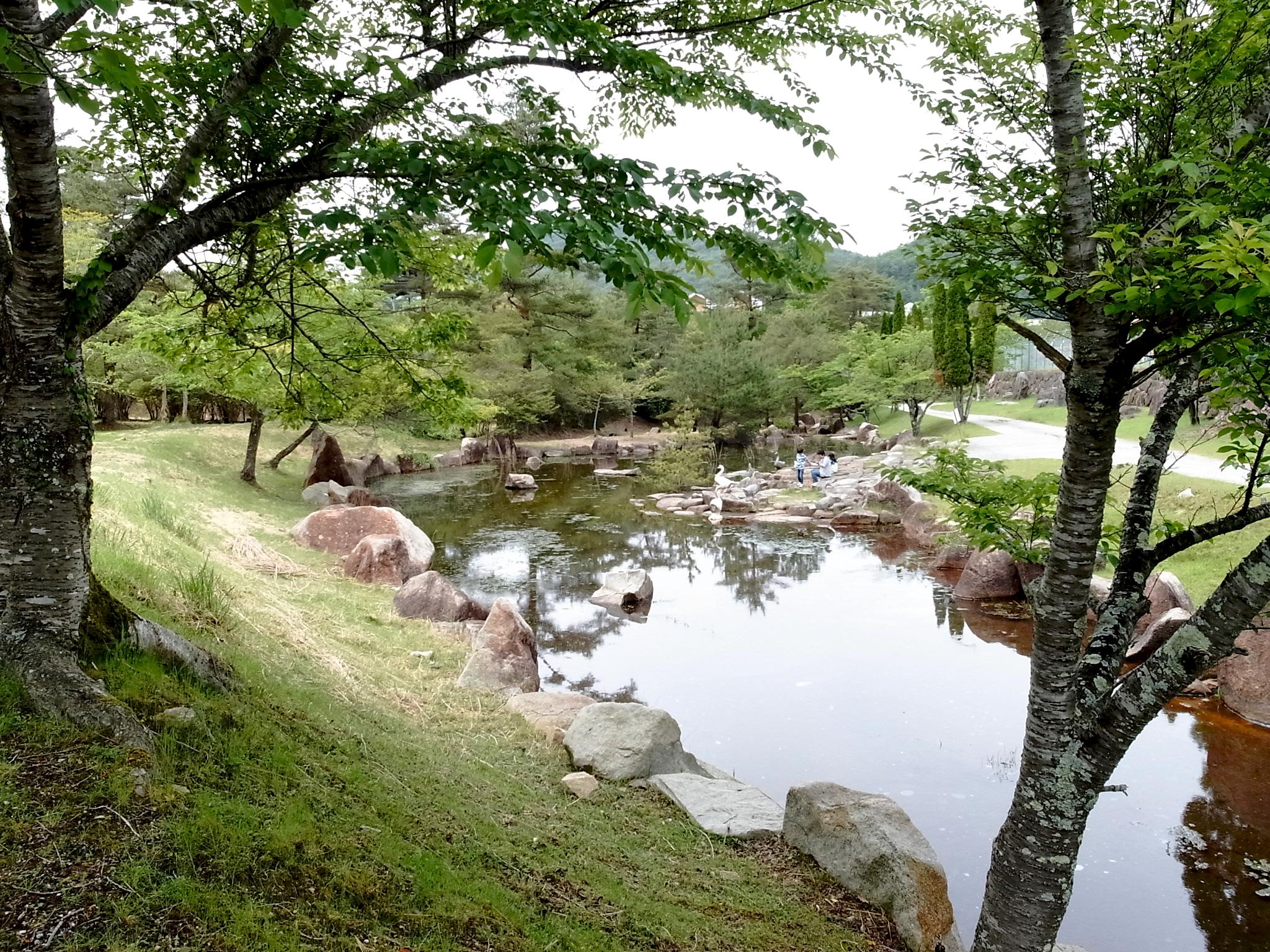 ランチの後は、るり渓公園内を散策。なんと予定していた「ポテポテゴルフ」がお休み中。。。