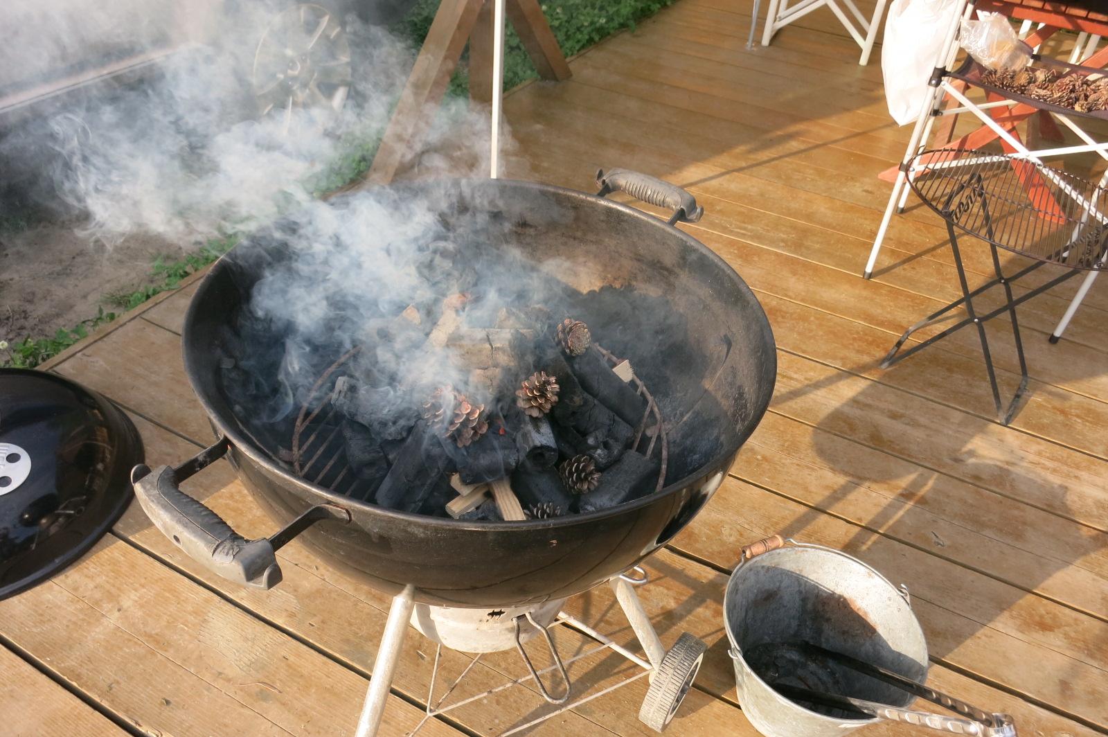 炭の火入れ、肉の焼き方なども全てマニュアルが準備されているから簡単。