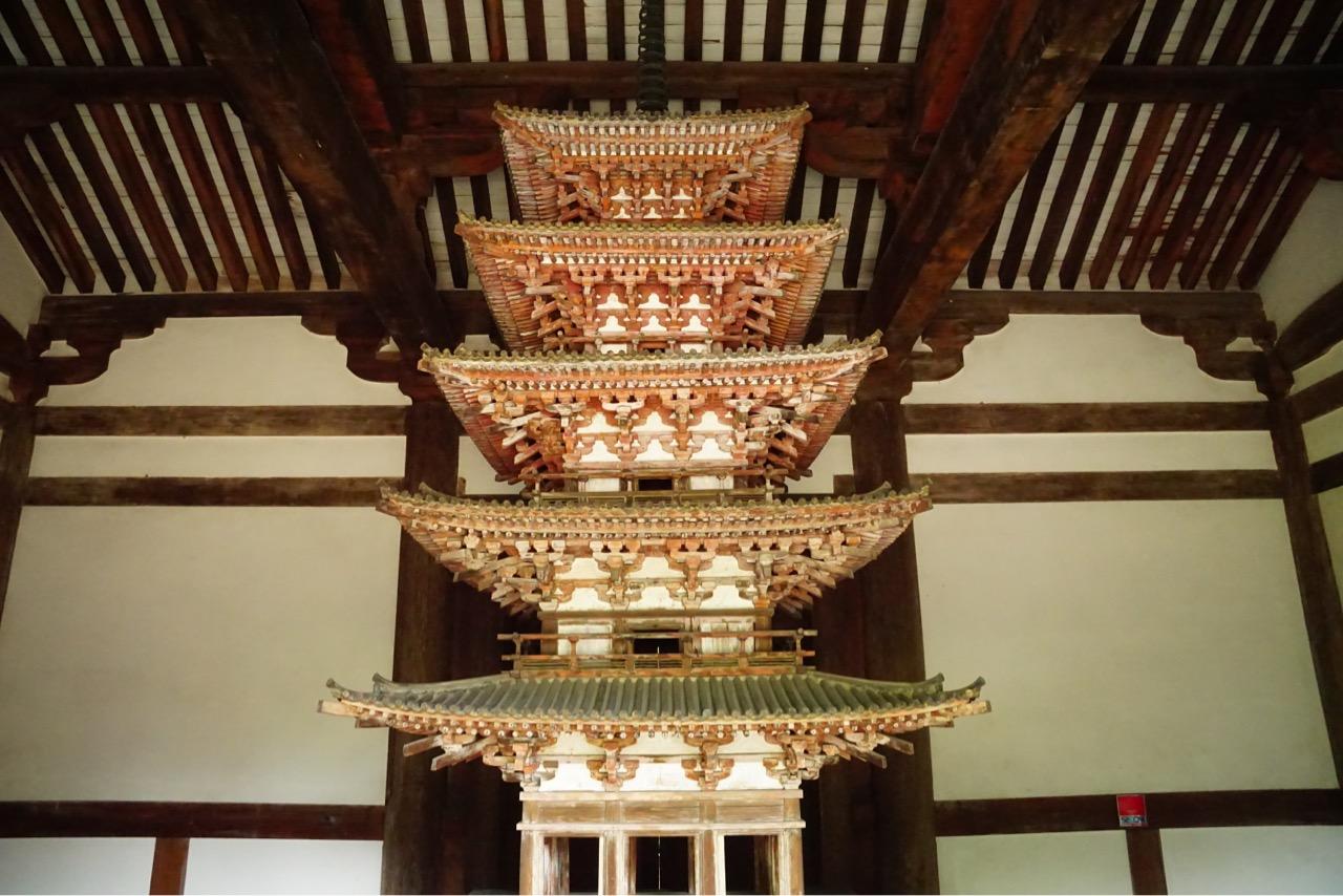 五重塔 屋根があるのは珍しいですね。五重塔は国宝です。