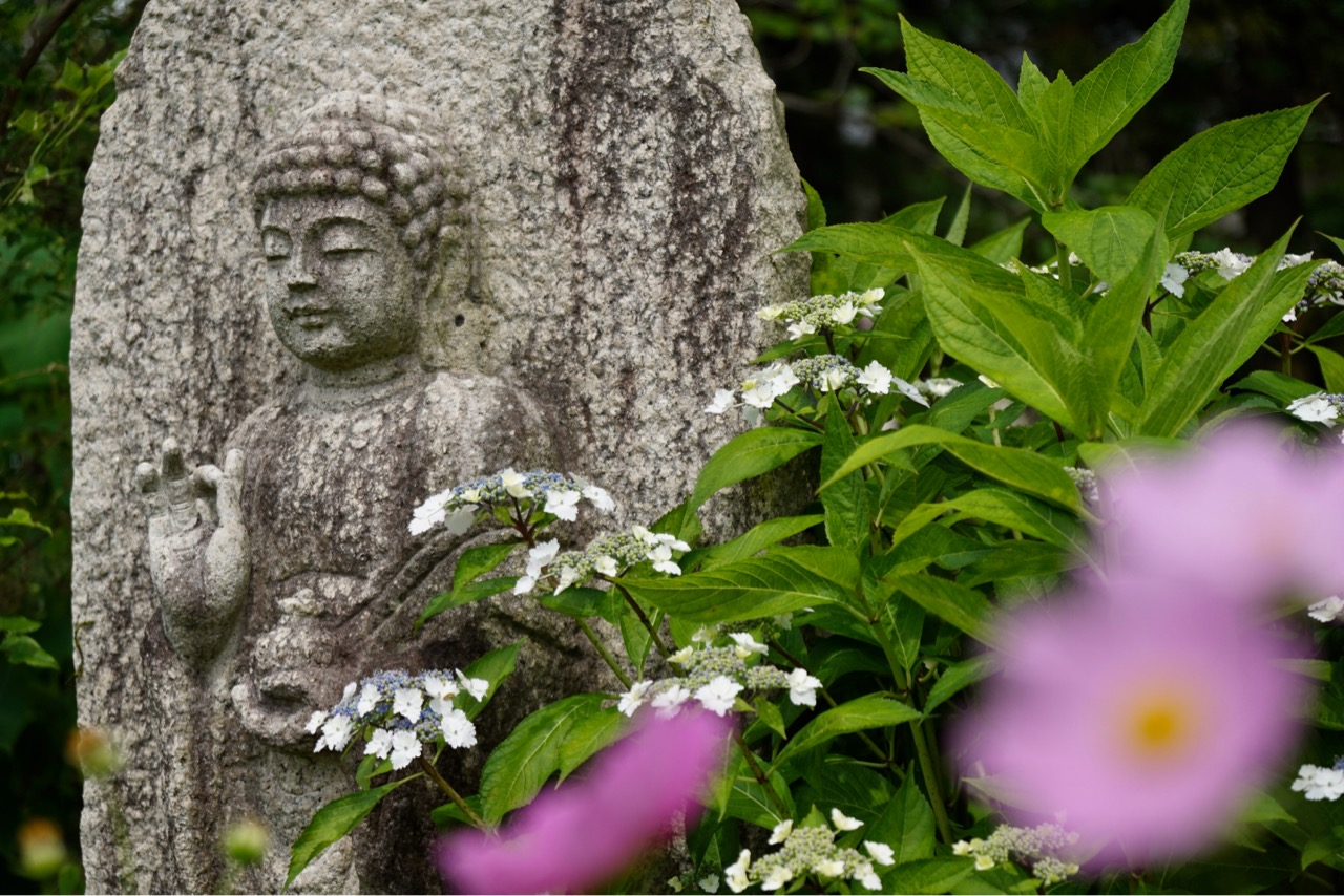 般若寺は奈良時代に平城京の鬼門を守るために建てられました。