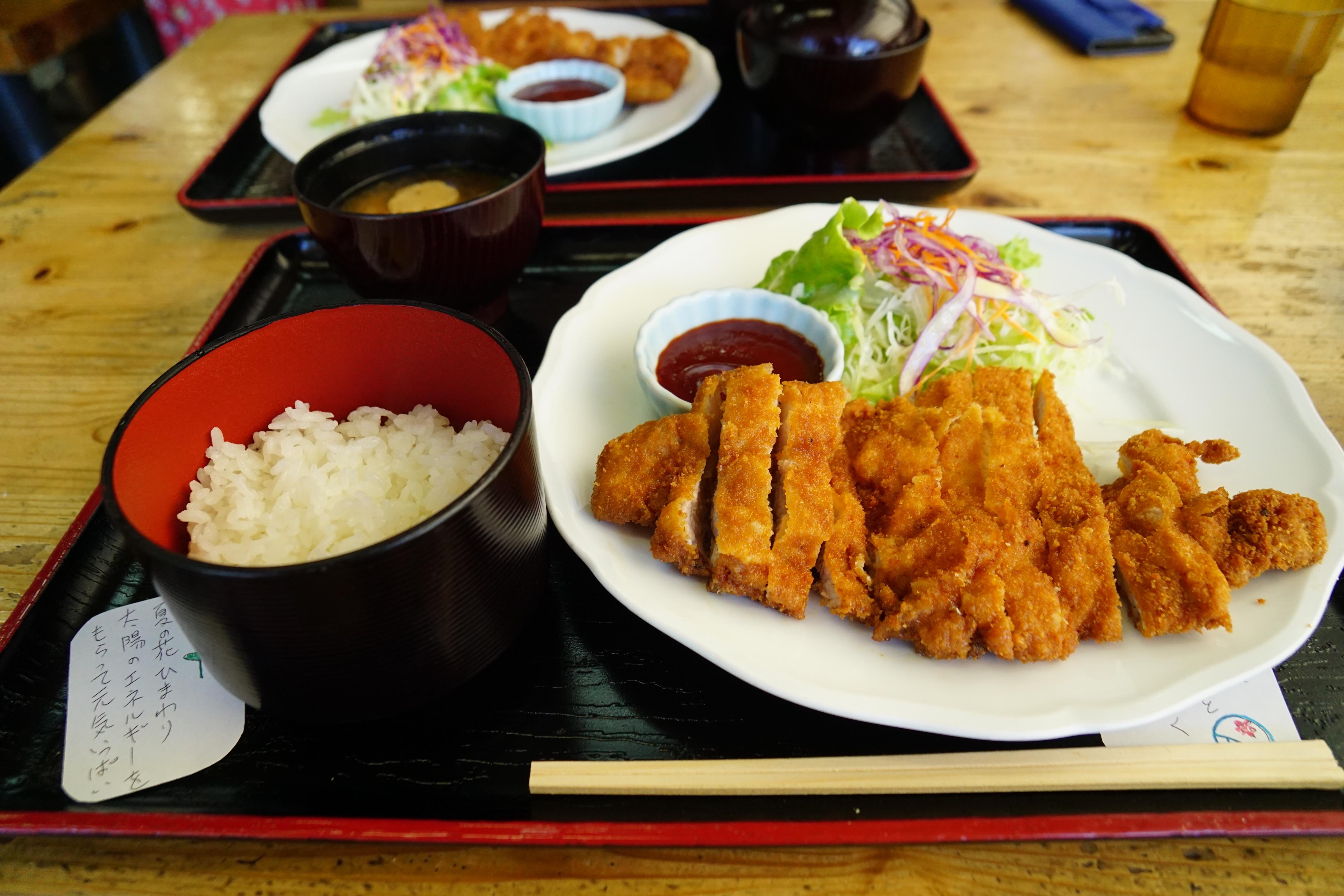 お昼は道の駅で大和ポークのトンカツを食べました。美味しかったです。
