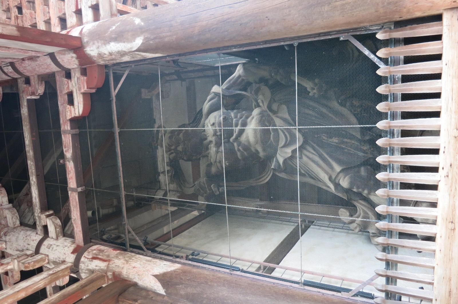 なかには金剛力士像(仁王像)が安置されています。吽行(うんぎょう)像と、