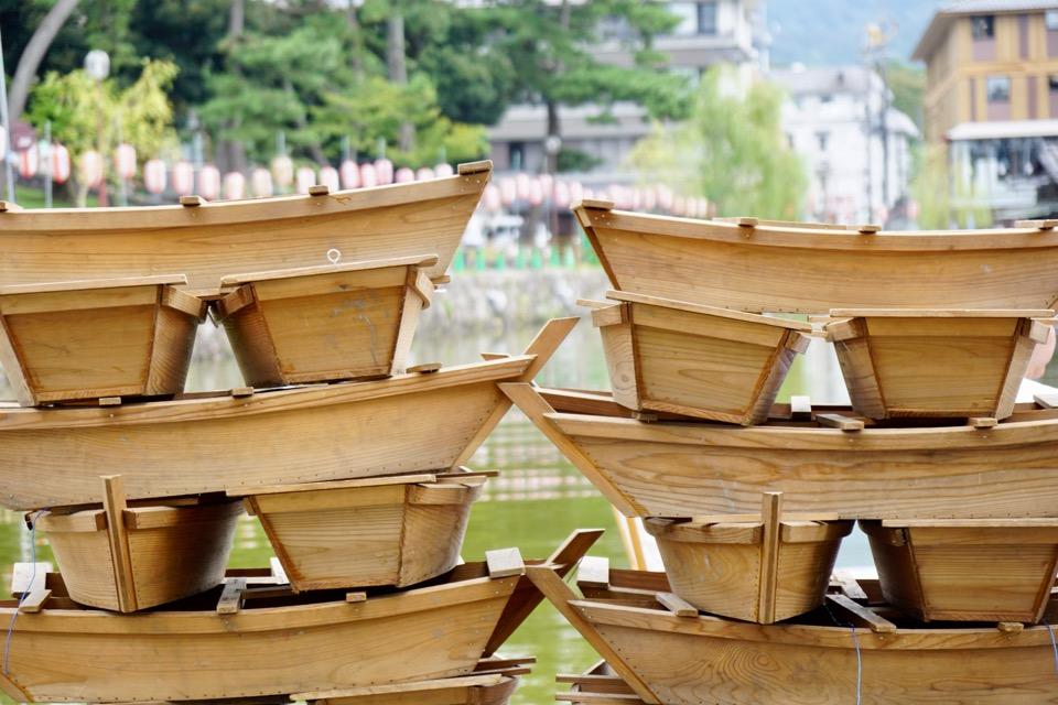 猿沢池に浮かべる小舟です。綺麗です。