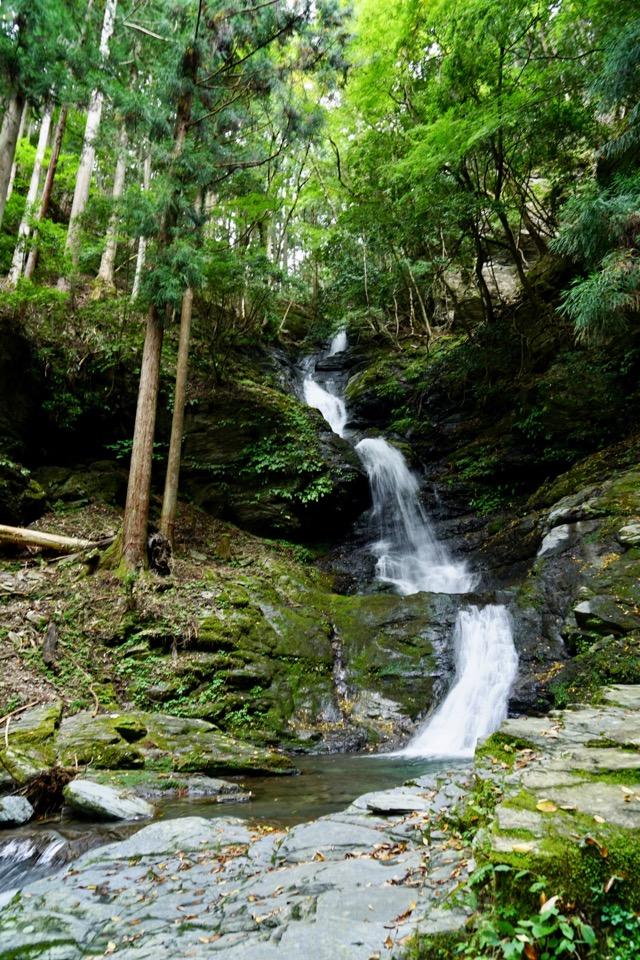 7つの滝がとても綺麗です。