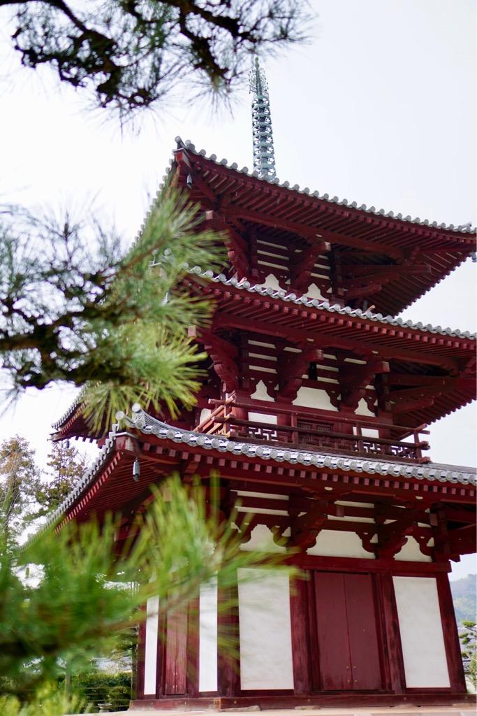 法輪寺。三重塔が田園地帯に見えたので行ってみました。