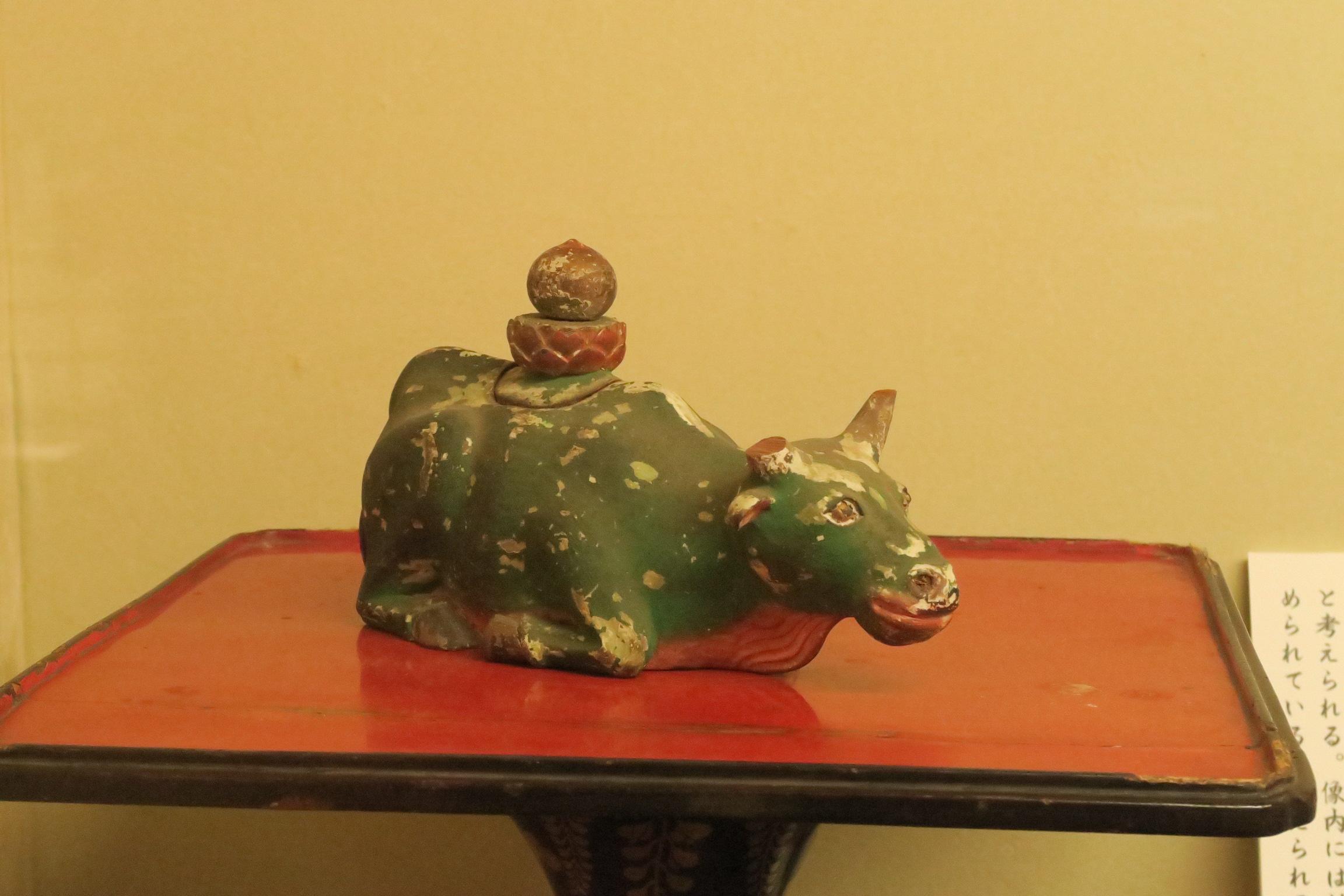 牛王像(こおうぞう)。像内には、牛の眼玉が信仰的に納められているとの伝えがあるそうです。