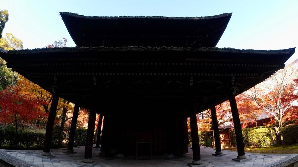 一休さんゆかりのお寺で幼い頃方漢詩の才能があったそうです。