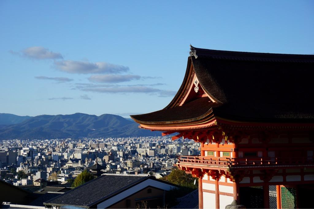 最後は清水寺へ。日が傾いてきて綺麗な夕日が観れるだろうな、、、と思いつつ。