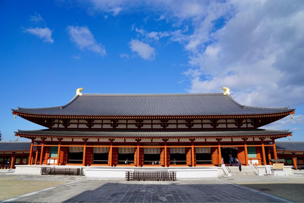 大講堂 とても大きくて幅は41m、奥行20m、高さ17mあります。