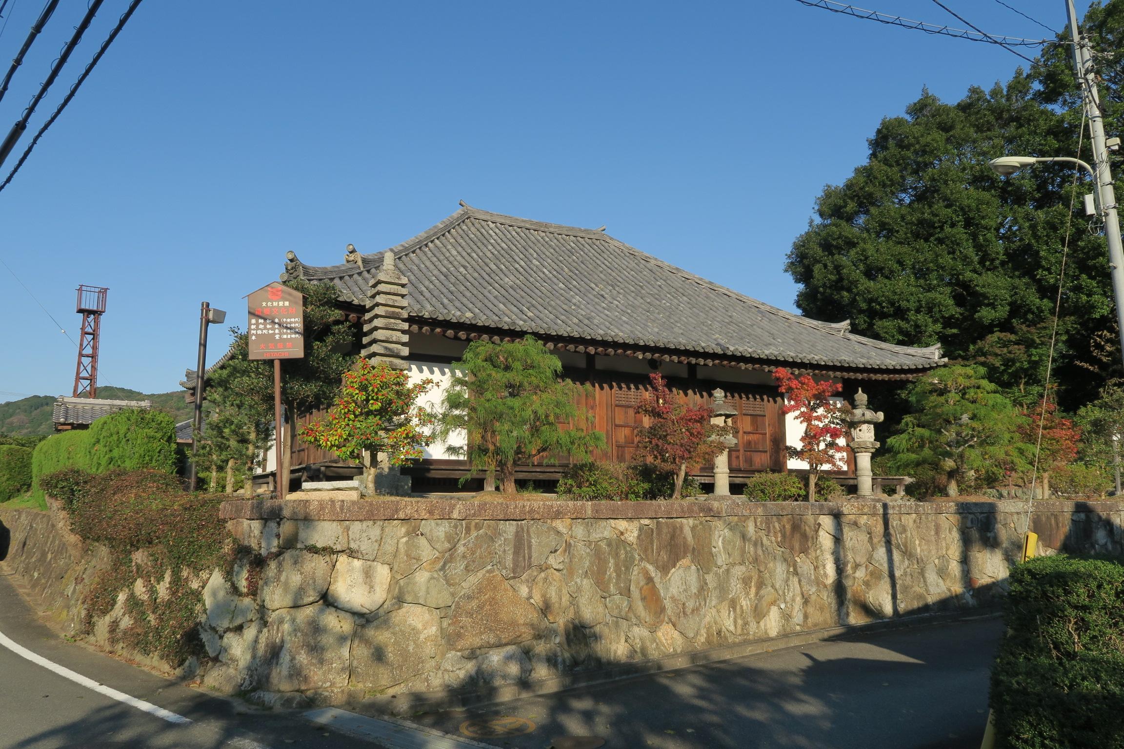 「夜支布山口神社」から2km位にある南明寺。