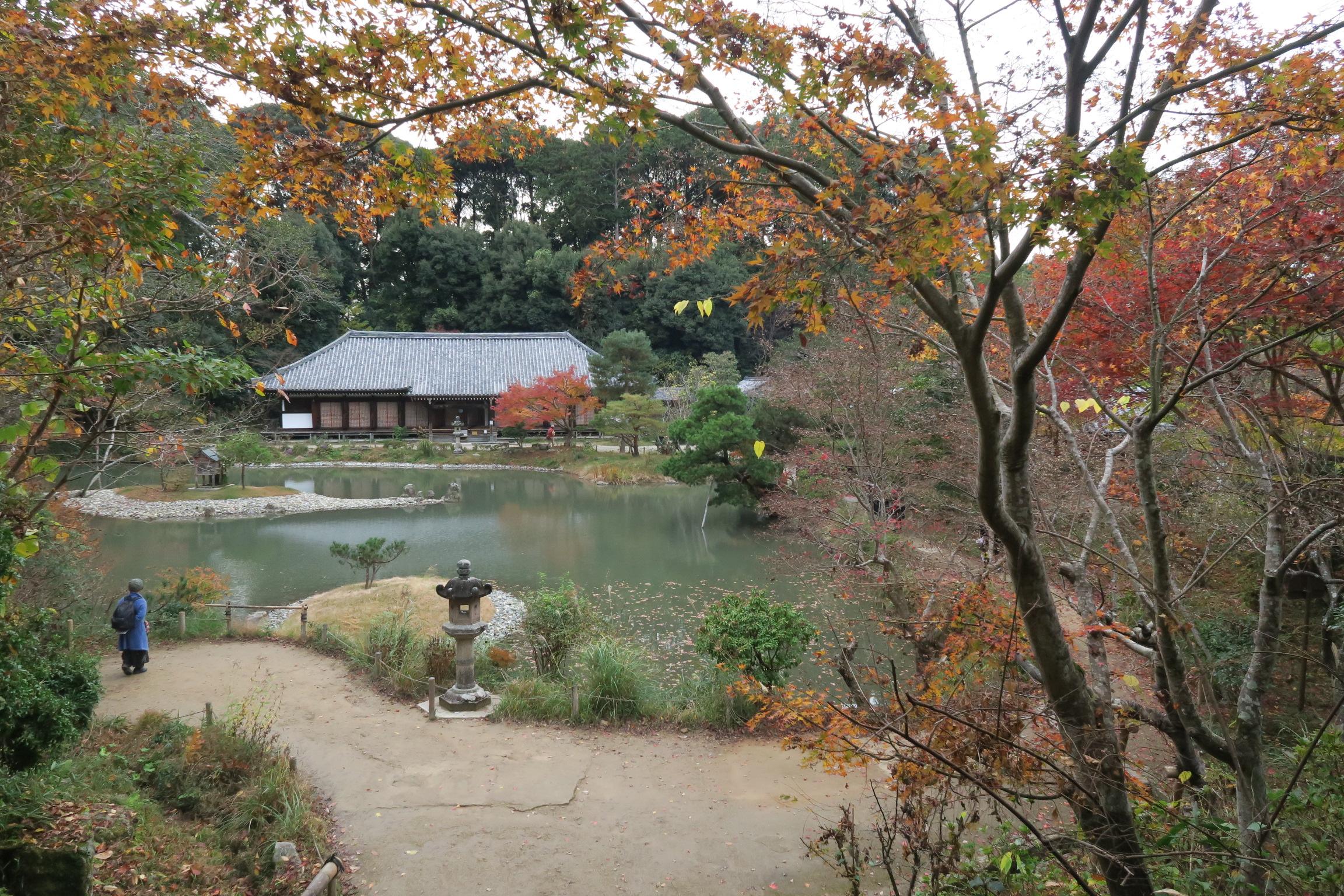 京都の紅葉はどこも人であふれていますが、アクセスもそれほど良くないため、ゆっくりできました。。