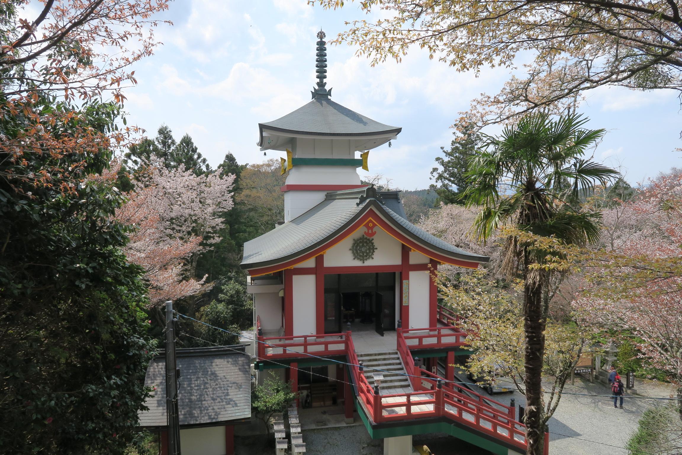 仏舎利宝殿。