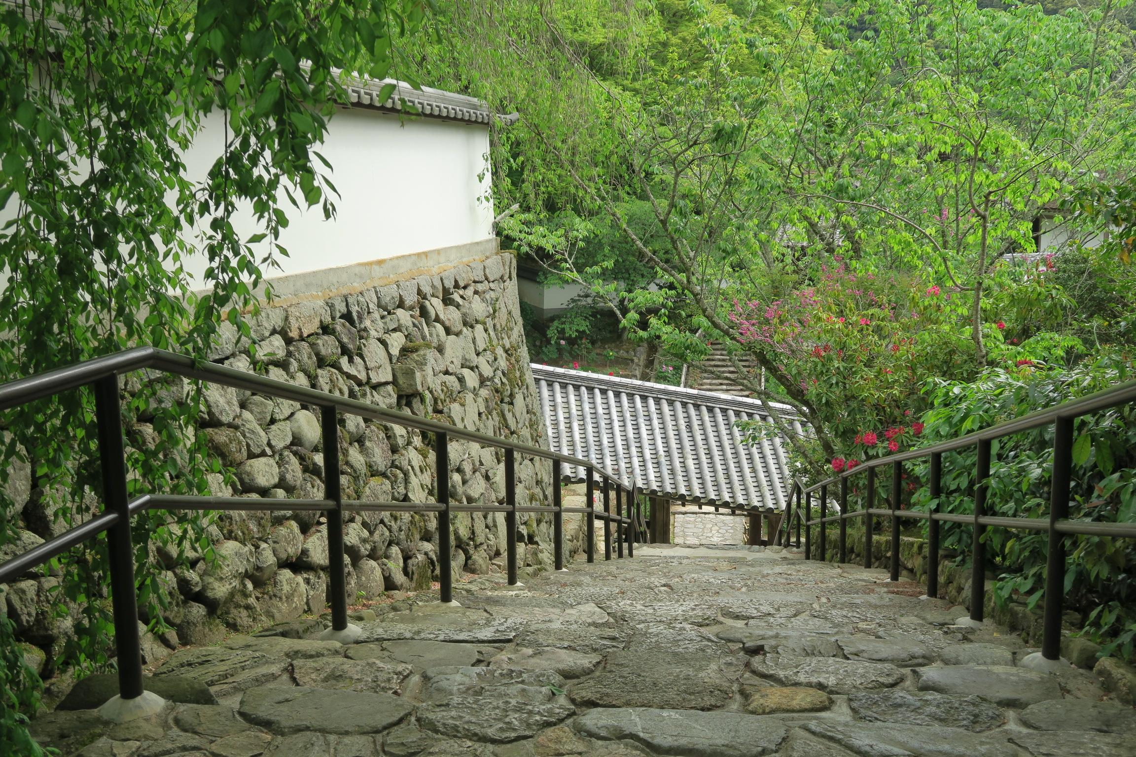 長谷寺の階段はどこも美しいですね。