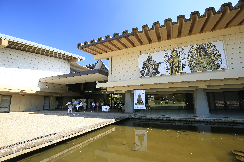 奈良国立博物館の入口。