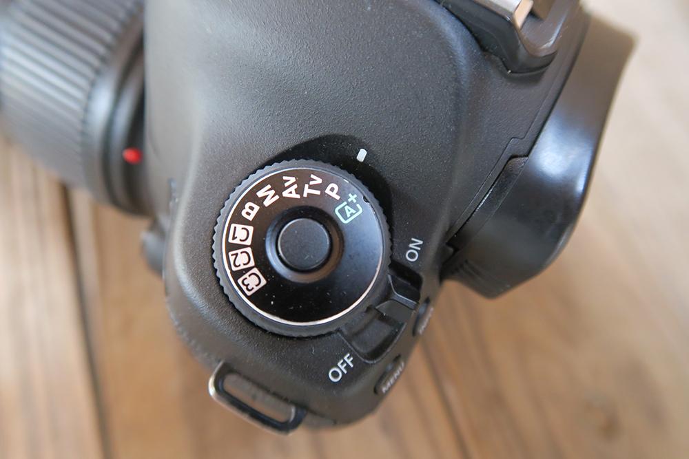 デジタル一眼レフカメラのモードダイヤル