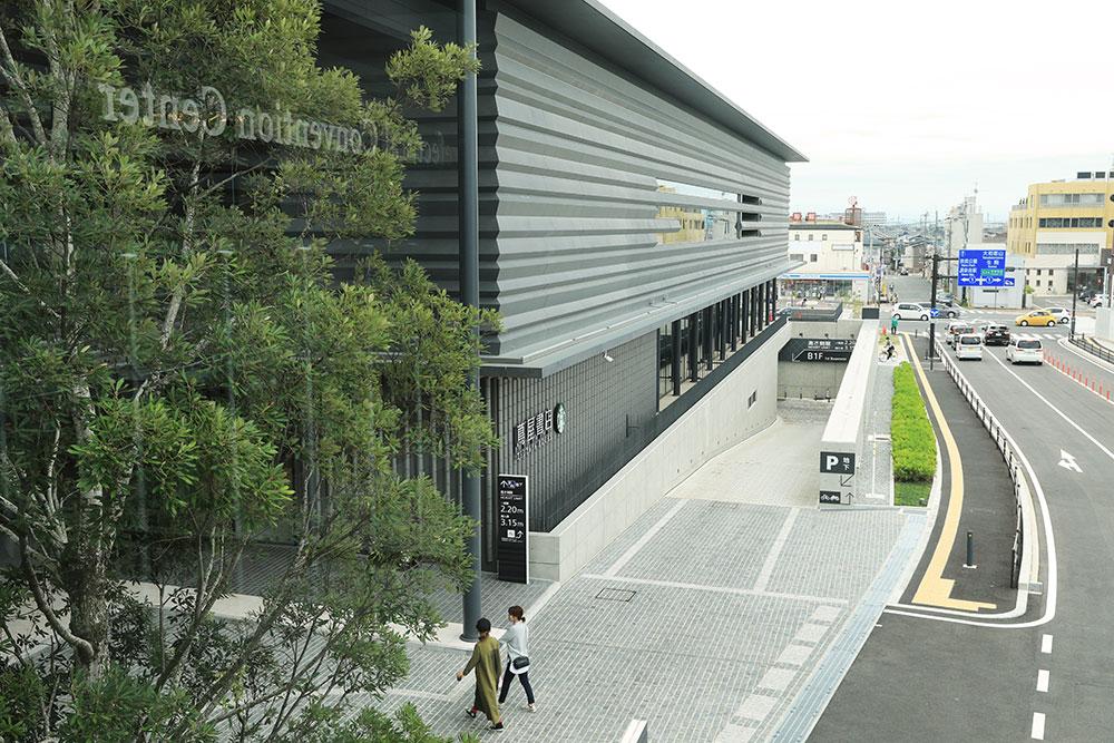 奈良県コンベンションセンター 駐車場