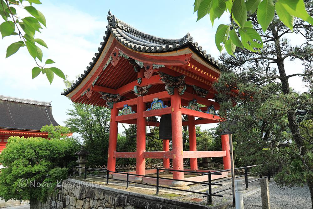 清水寺 世界遺産 清水寺の七不思議 柱が6本ある鐘楼